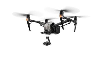 40年以上経験と大手企業専属ドローンパイロット&インストラクターのパイロット(1人平均年間フライト200時間以上)が空撮を行う為、特に技術と安全性に高評頂いております。